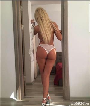 Unirii .. Tania Blonda dulce si Pasionala