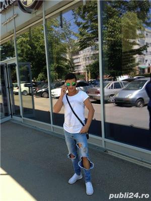 Alex escort de lux nou in Bucuresti
